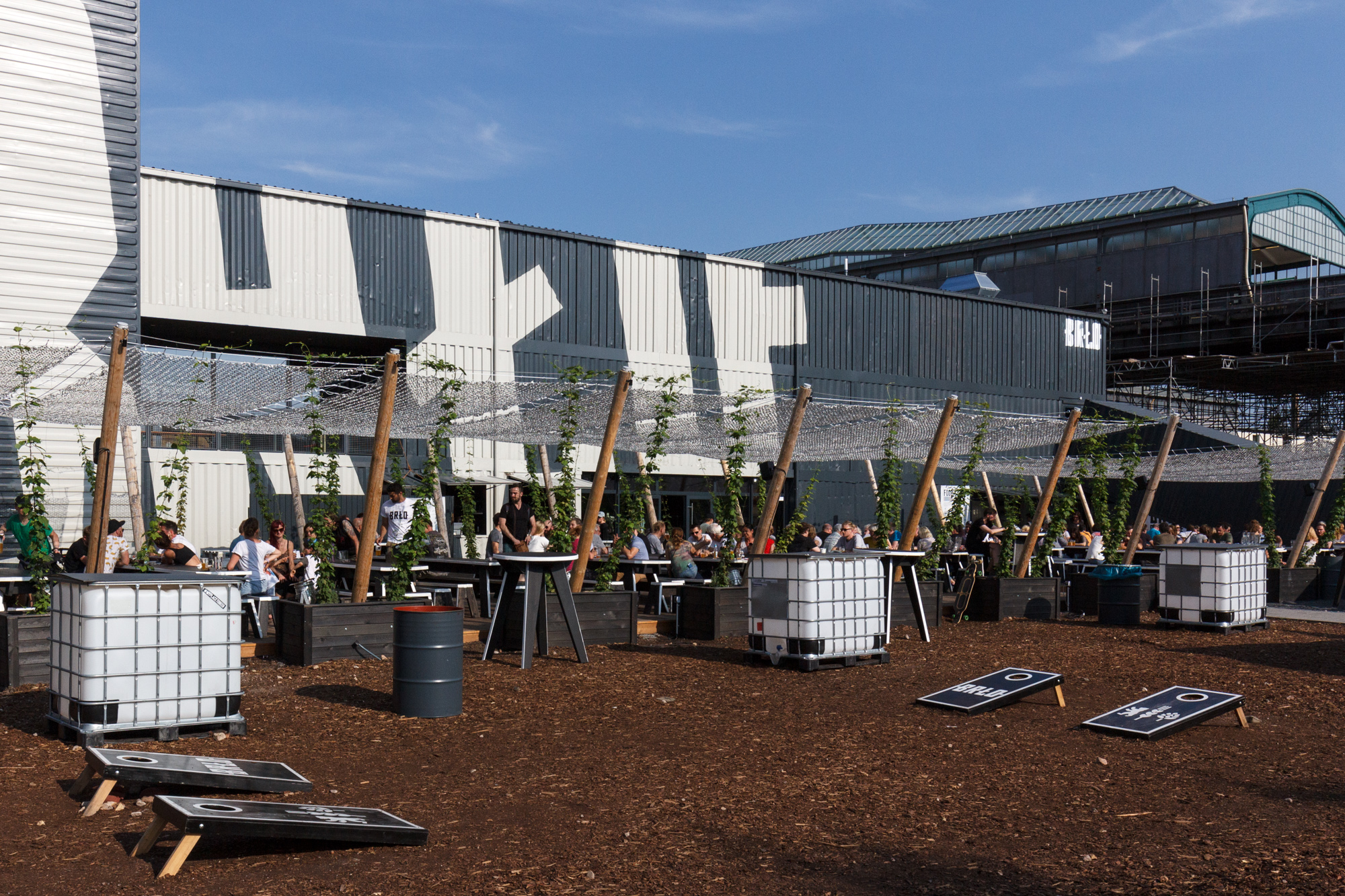 BRLO Brwhouse - a craft beer brewery, bar, restaurant and beer garden and the edge of Park am Gleisdreieck in Berlin