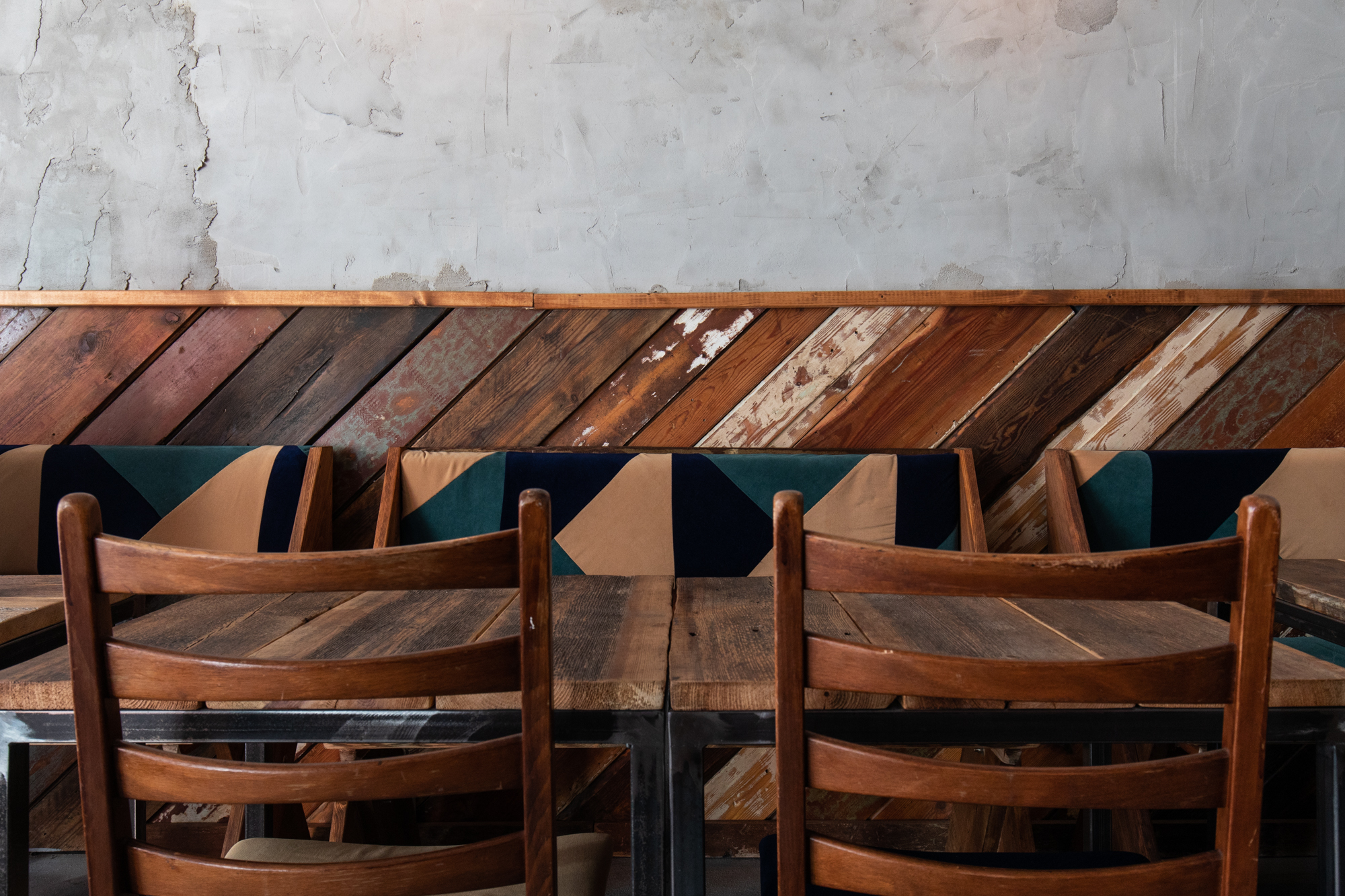 Furniture in the side room at Protokoll Taproom Berlin, a craft beer bar with 24 taps in Berlin Friedrichshain